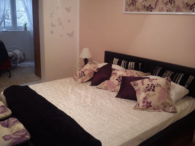 Room with private bathroom and private kitchen - Dubrovnik - Ev