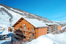 Enjoy close access to the ski hill from the charming wood buildings of the resort.