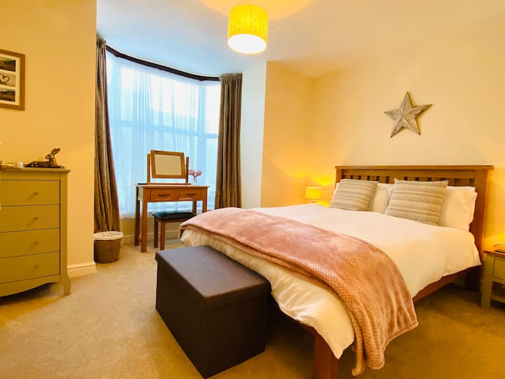 NEW East Street Retreat, young family holiday home