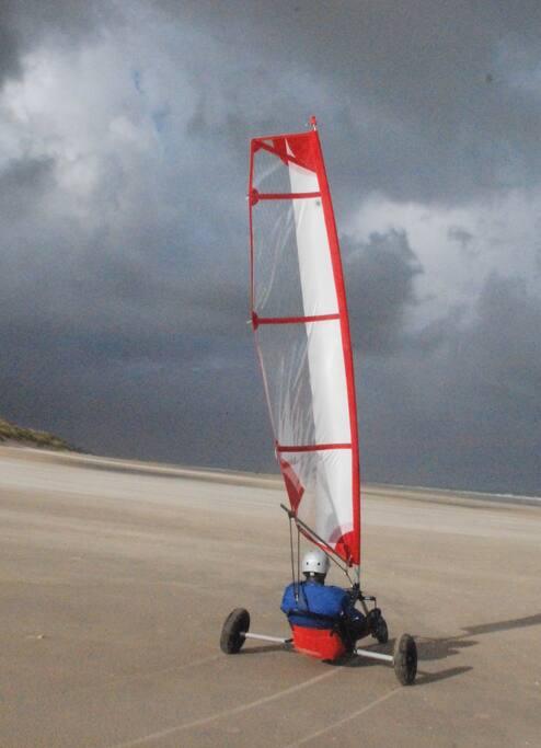 à quelques km des plages de sable fin - grande étendue pour la pratique des sports nautiques