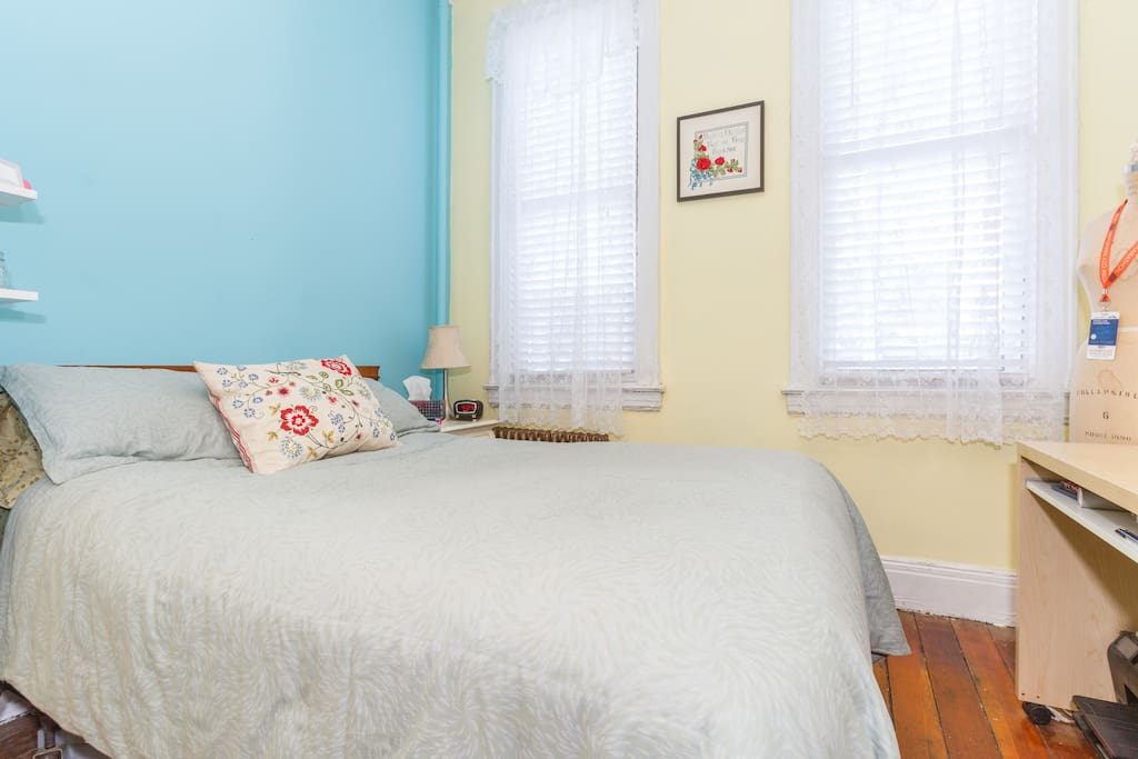 Charming Spacious Master Bedroom Apartments For Rent In Brooklyn New York United States