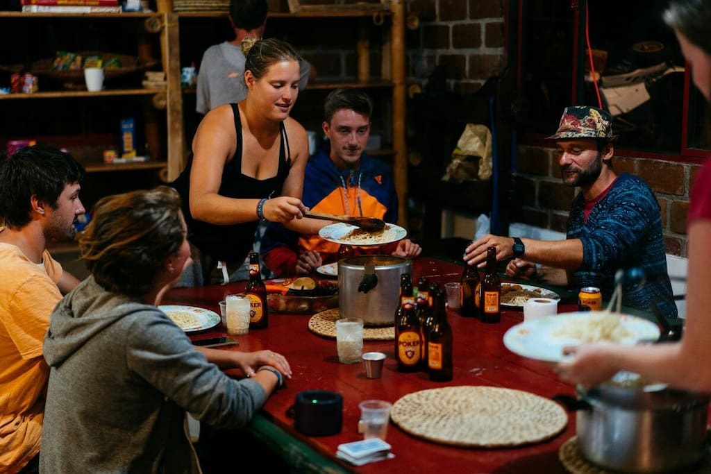 Group meals with other international travellers