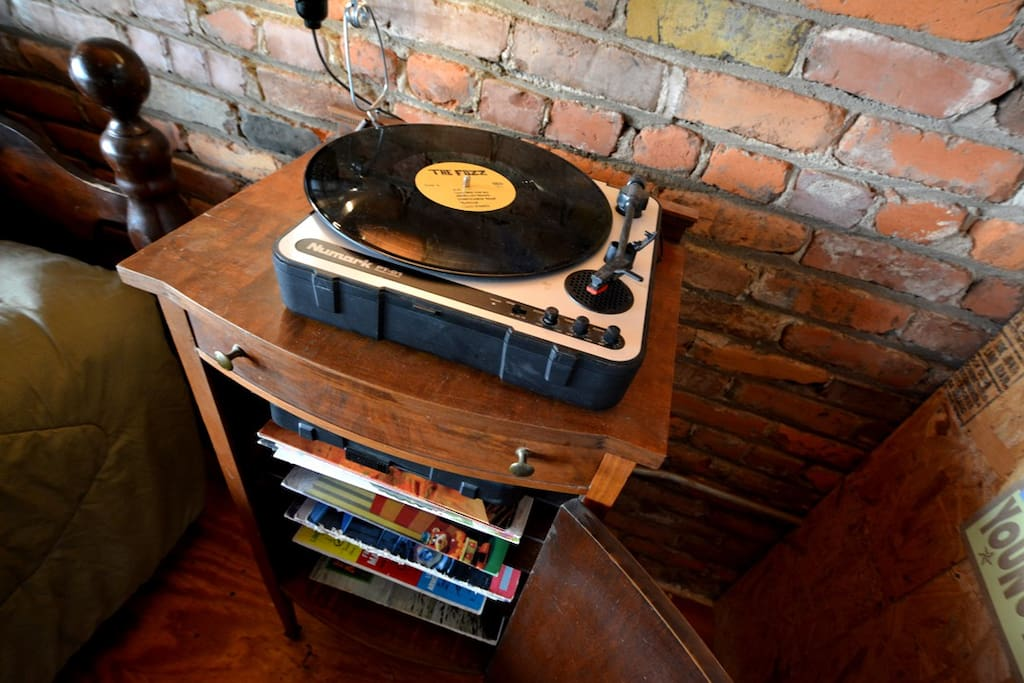 Listen to some Memphis tunes during your stay.