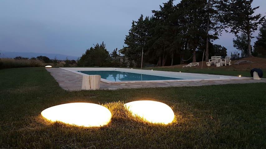 Ampio open space indipendente, piscina, giardino - Roselle, grosseto - House