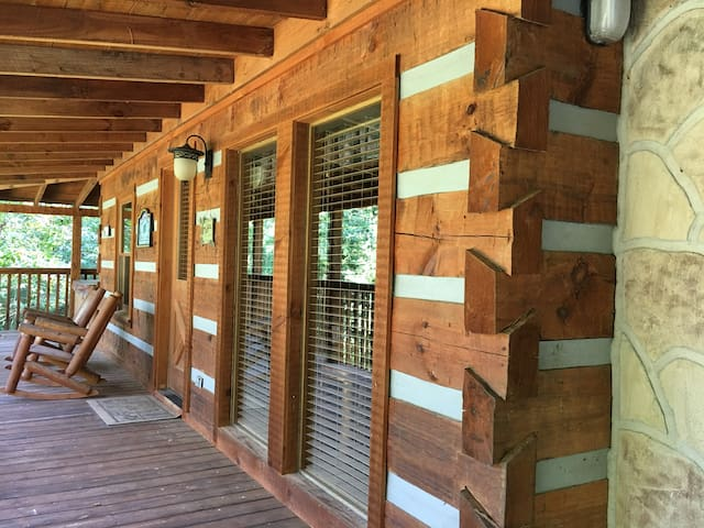 Winter specials! Smoky Mountain Honeymoon Cabin