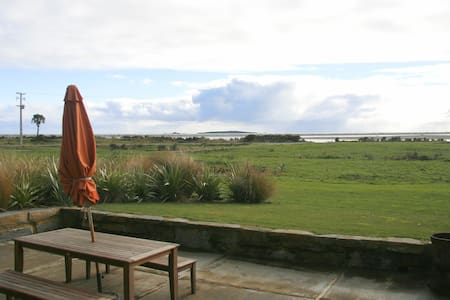 Stunning sea views from every room  - Haast - Bed & Breakfast
