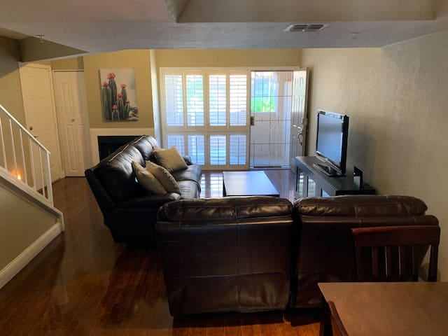Luxury Condo 2 bed/2 bath in South Scottsdale