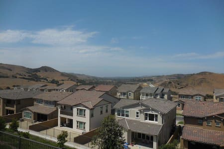 Luxury 4 bedroom home with ocean views. - Rancho Mission Viejo  - Casa