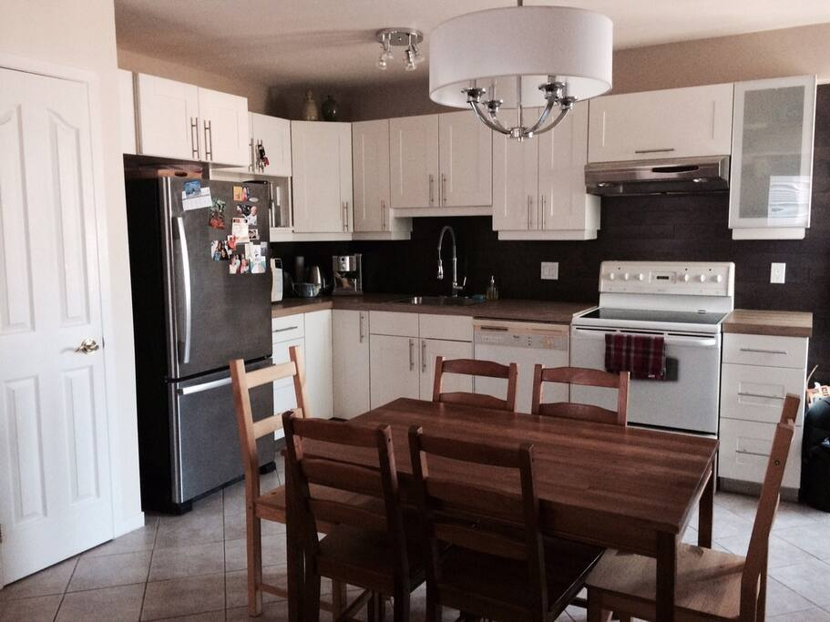spacious flat for 4 to 6 people wohnungen zur miete in ville de qu bec qu bec kanada. Black Bedroom Furniture Sets. Home Design Ideas