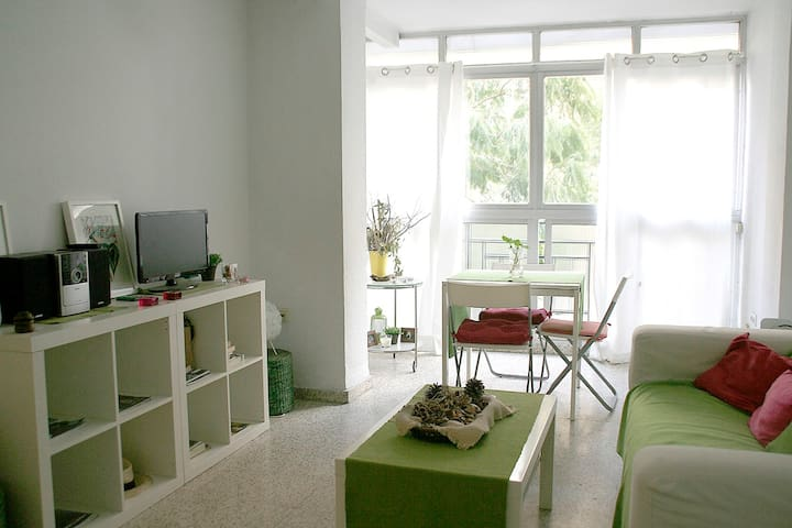 * Cosy flat 200m from the beach, El Palo/Malaga *