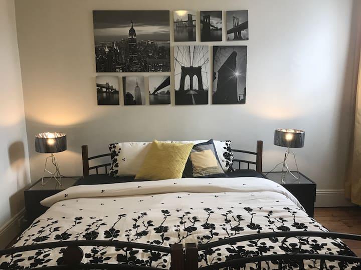Couple/Single/Shared Room 11
