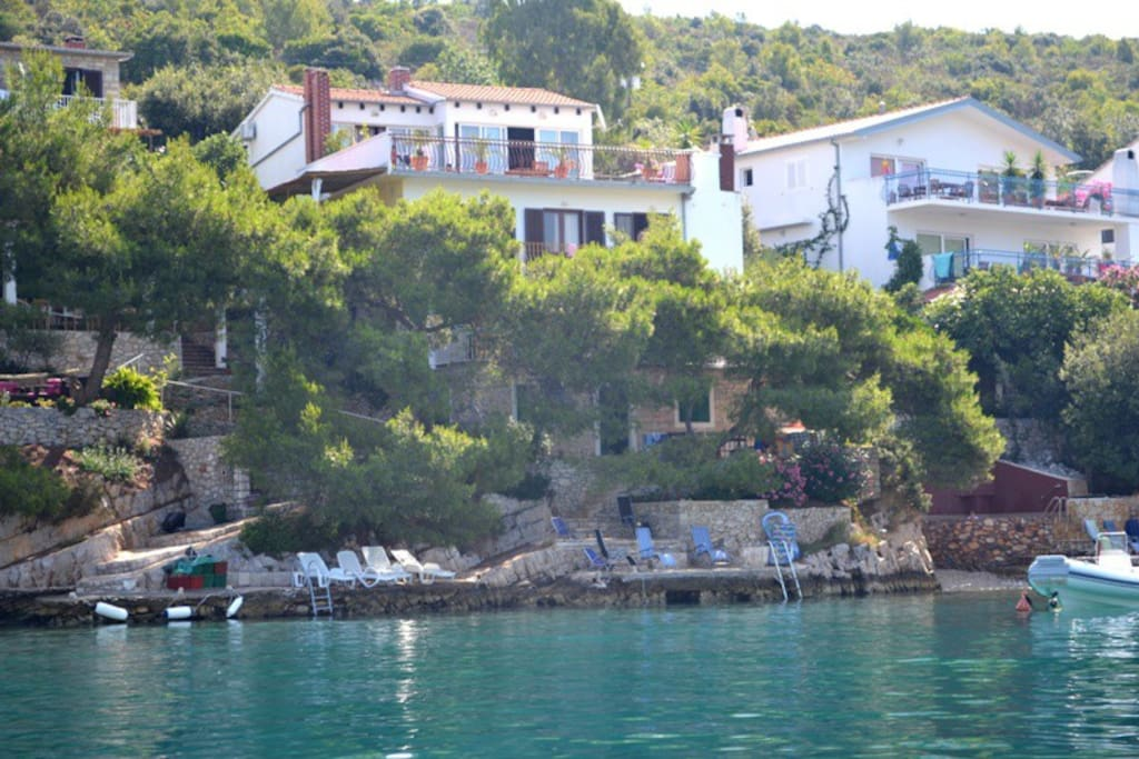 Villa Hraste, just 5 meters from the sea