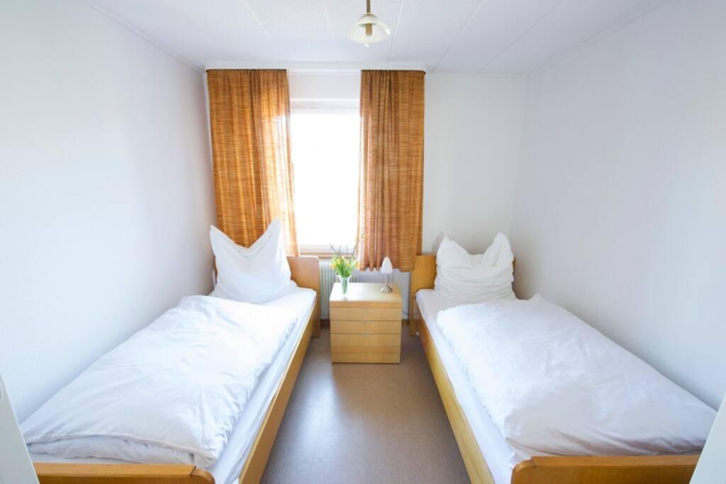 2. Schlafzimmer 2 Betten