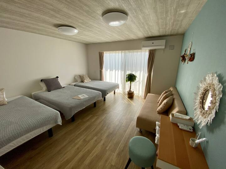 GuesthouseKoa トリプルベッドルーム+ソファベッド