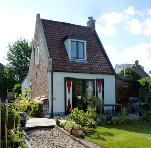 Cosy little house with garden - Santpoort-Zuid - Rumah