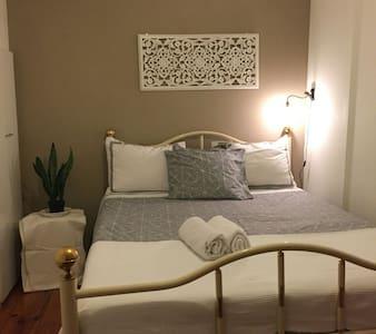 *Double Bedroom Central Lisbon - Lissabon