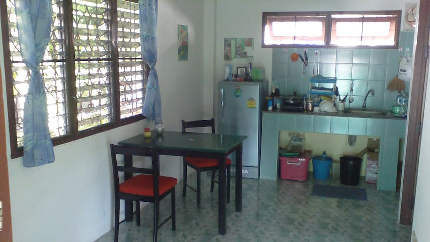 quiet and comfortable one bedroom flat - Ko Samui - Apartment