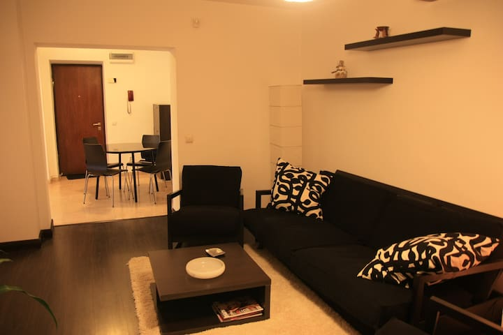 City Centre Apartment 68sqm - Bukareszt - Apartament
