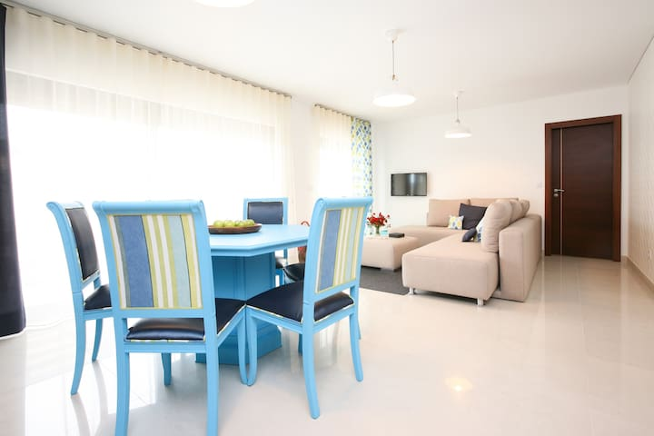 D WAN DELUXE   APARTMENT F   T1