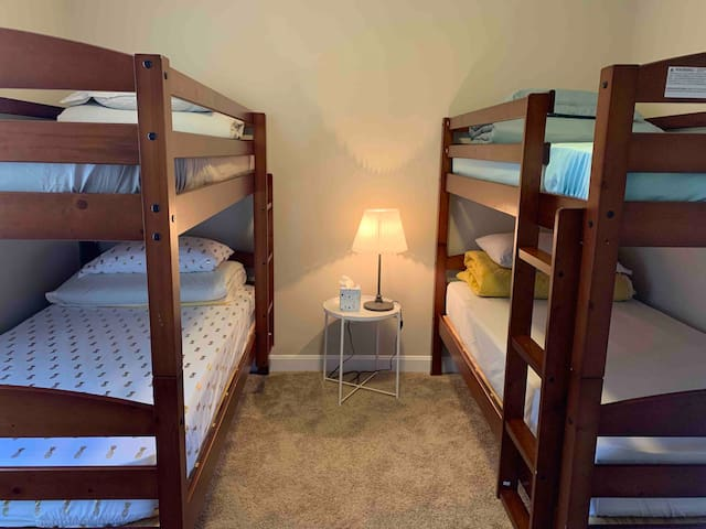 Bedroom 3 with 2 sets of Bunk Beds, 4 total beds