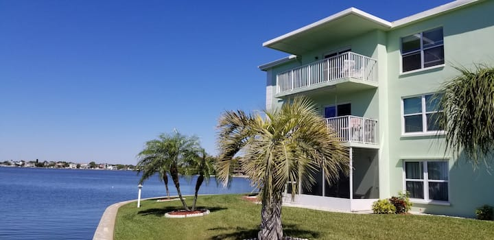 Amazing Waterfront, 2 Brd Cndo, Monthly Rental
