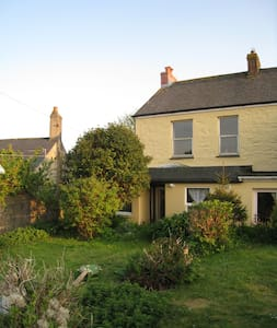 Family friendly Beacon Cottage - Camborne - 独立屋