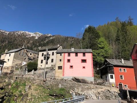 Bijou del segle XVIII a la Vall dels Reis Mags