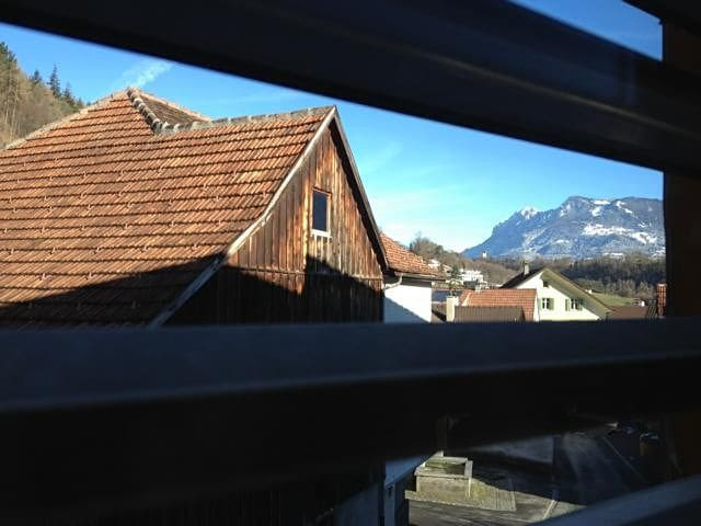 Room A, near mountains & motorway - Rheintal - Hus