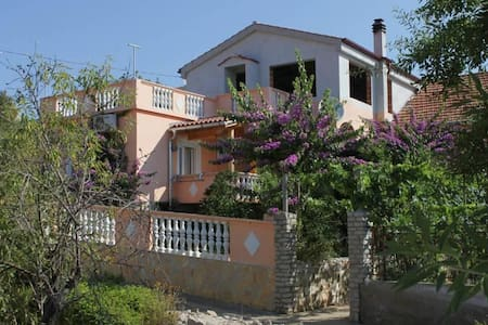 One bedroom apartment with terrace Sali, Dugi otok (A-8153-a) - Sali