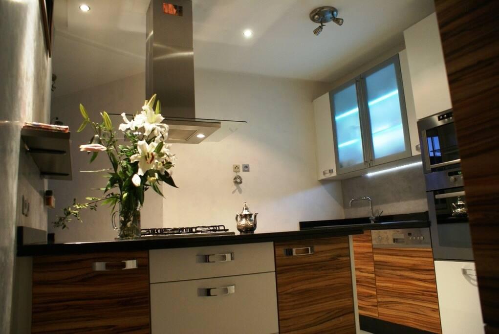 Design super quip pr s de l 39 oc an appartements louer for Appartement design casablanca
