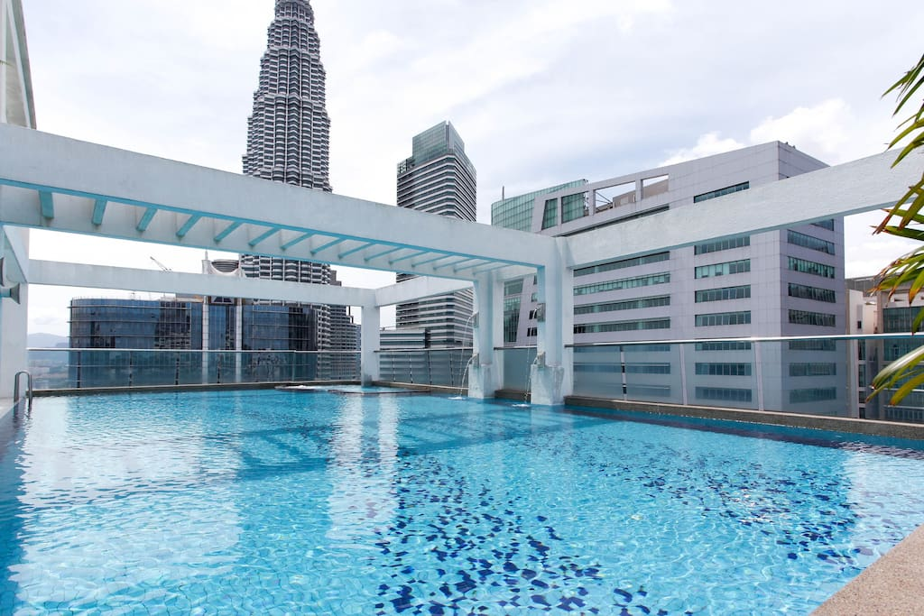 Gorgeous view of the Petronas Twin Towers from the pool area.