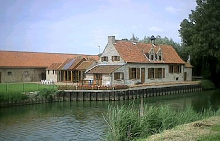 NICE COUNTRYHOUSE IN FURNES - Veurne - Rumah
