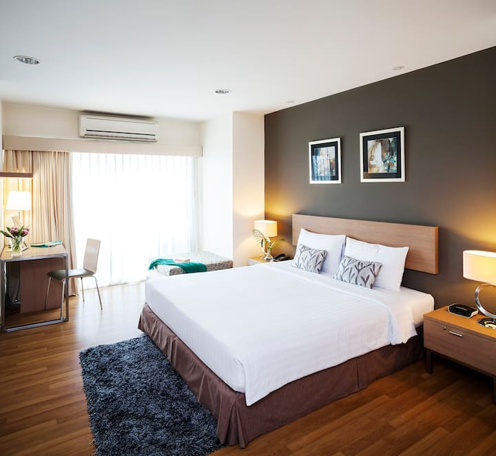 Two Bedroom Superior -Right next to BTS Bangchak Station