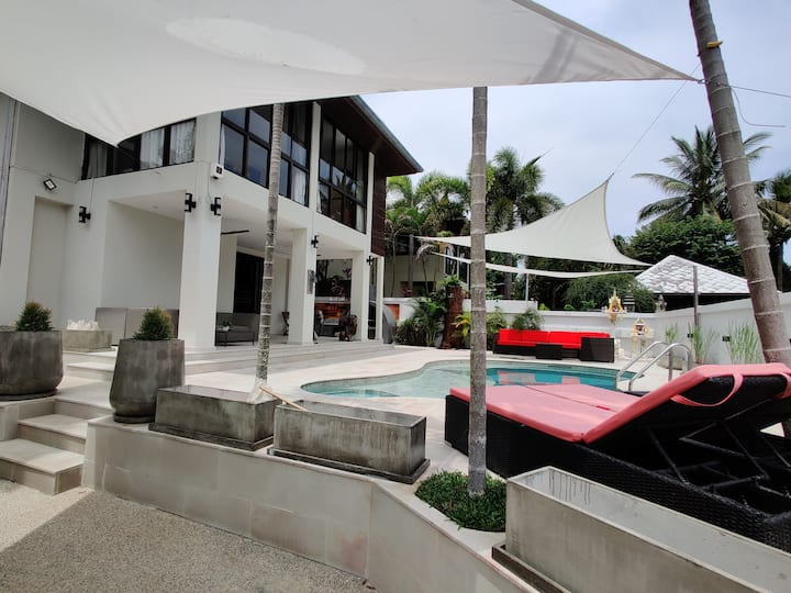 Luxury 4 bedroom villa with pool near  chaweng