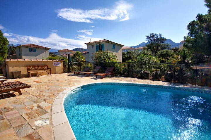 Villa de standing avec piscine à 5 min de la plage