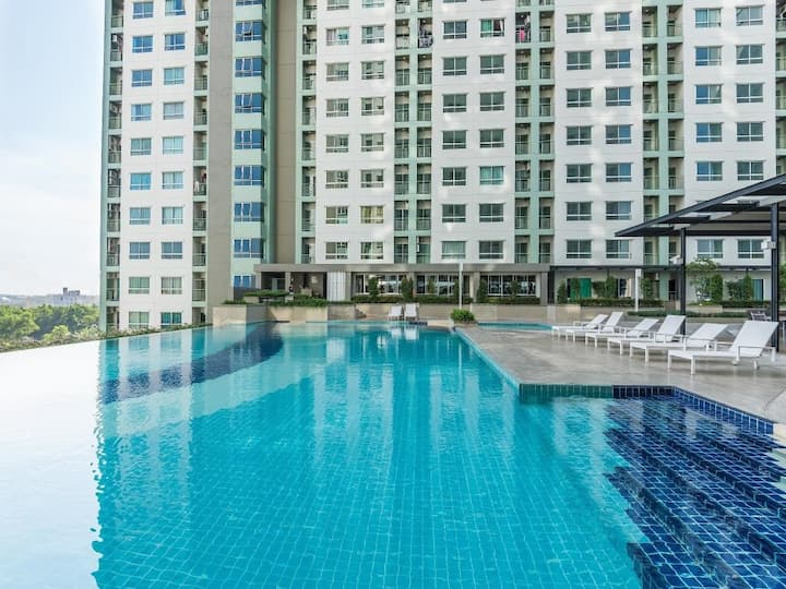 LPN Jomtien Pattaya[Seaview, 1min to Beach]