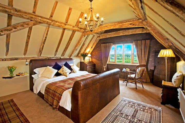 Darsham Old Hall: Rous Suite