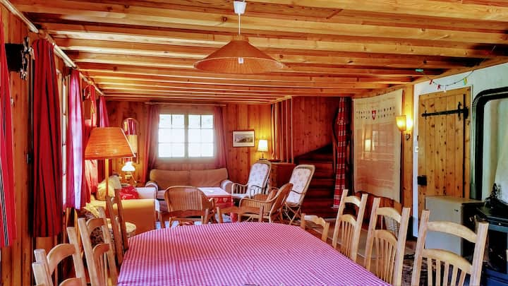 Classy get-away Chalet for groups & families