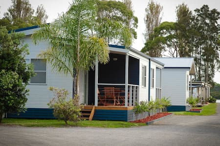 Badgee Caravan Park Cabin 1 - Sussex Inlet