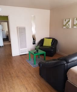 (A06) Spacious Upstairs Apartment - Antioch