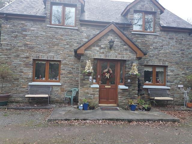 Glengarriff Woodlands getaway  - Double room.