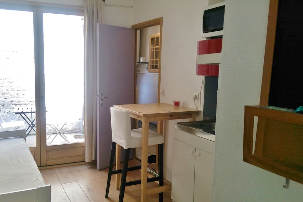 Studio meuble lille centre appartements louer lille for Appartement meuble lille