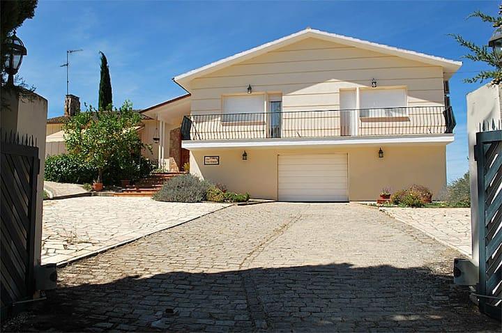 Chalet Villa Vista Hermosa