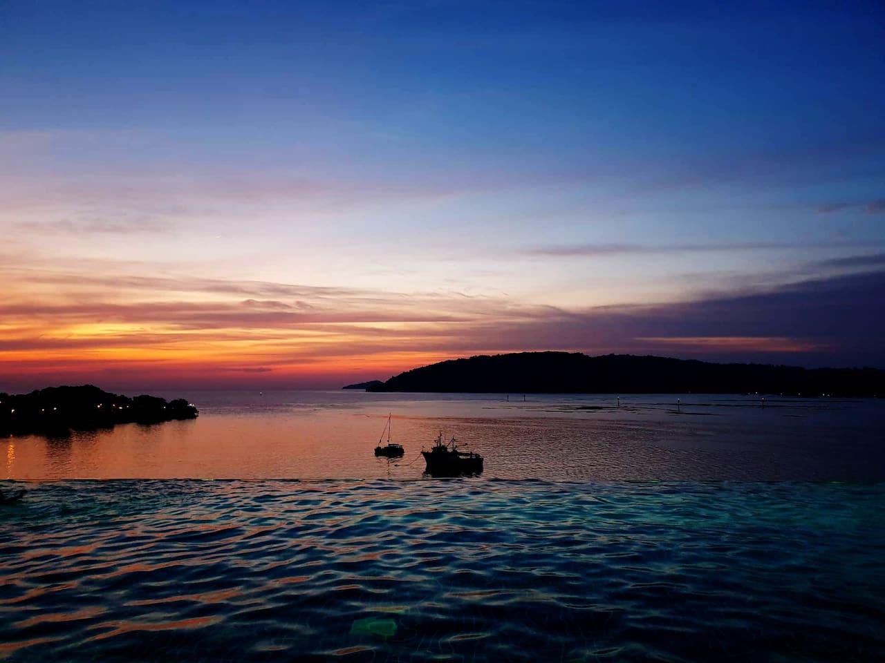 Infinity Sunset Seaview Pool 无边日落海景泳池