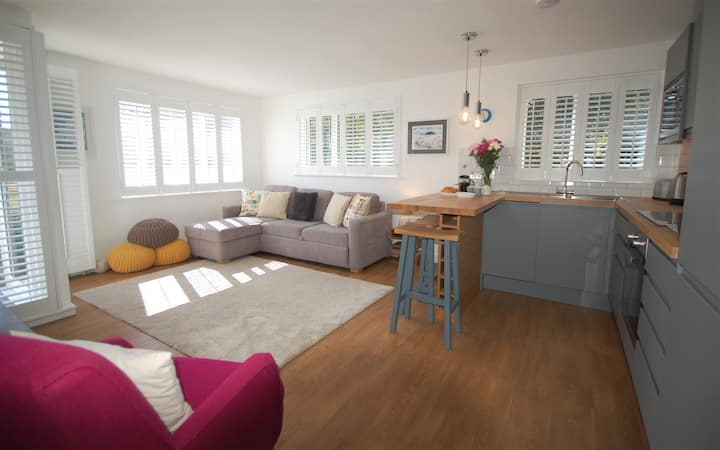 Stylish apartment, private & peaceful, Salcombe