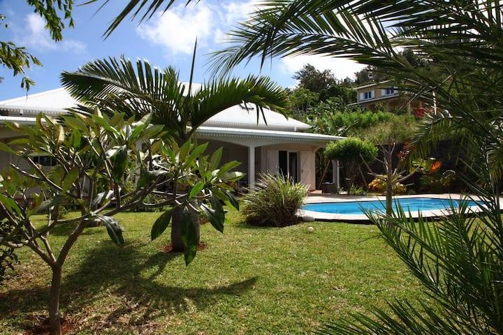 Villa grd standing Jardin arboré Piscine Chauffée