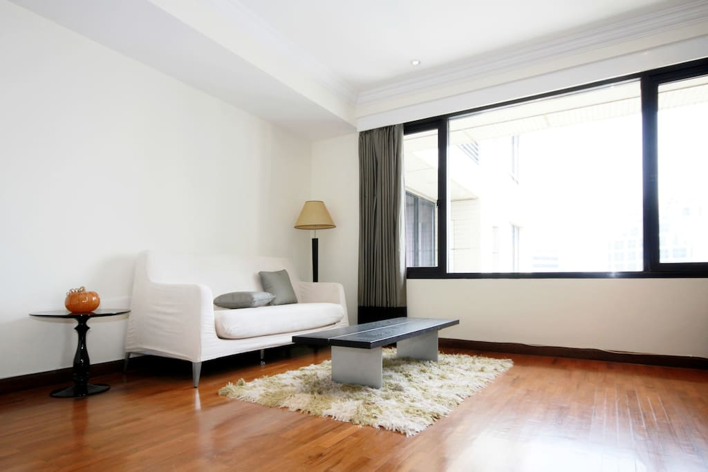 City Center Sathorn Silom 2b2b Apartments For Rent In
