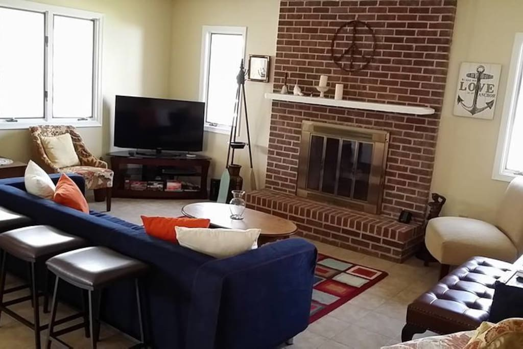 Cozy up to someone special in the living room! Cable and smart tv provided.