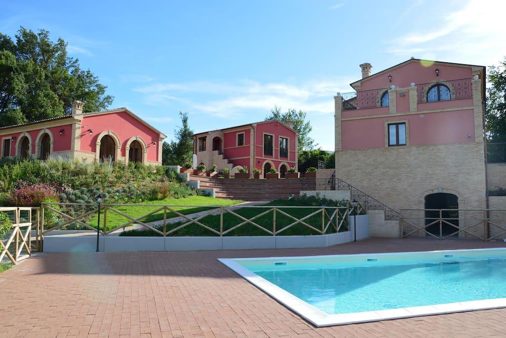 Agriturismo villa ninetta il glicine appartamenti in affitto a caldarola marche italia - Agriturismo villa bagno ...