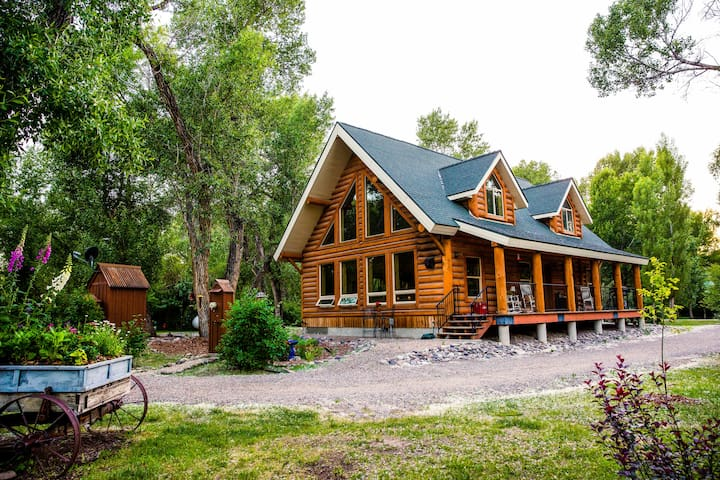 Quiet rustic log home with a View near Rigby,ID - Rigby